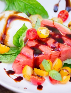 Grilled-Watermelon-Caprese-Salad-1-600x787